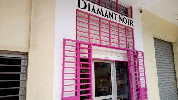 Diamant Noir Boutique